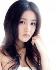 刘雨欣爆乳搏出位 成名前后发型大全