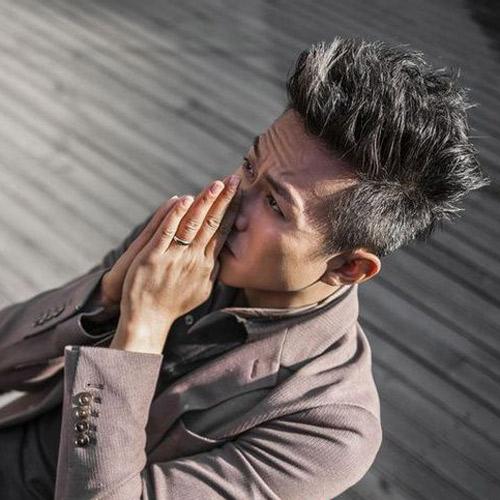 【图】邓超最新造型酷帅发型最男子_男明星发烫发后可以拉直么图片