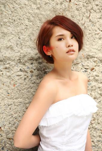 杨丞琳短发发型 可爱教主轻松百变(6)
