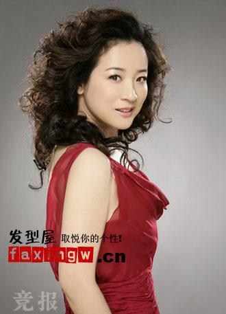 主演陈小艺发型四十岁大龄女人适合发型(3)  导读:蓬松凌乱的狮子头图片