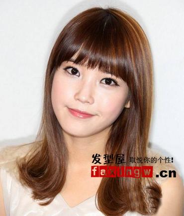 韩国圆脸女星李智恩万种风情圆脸发型(11)