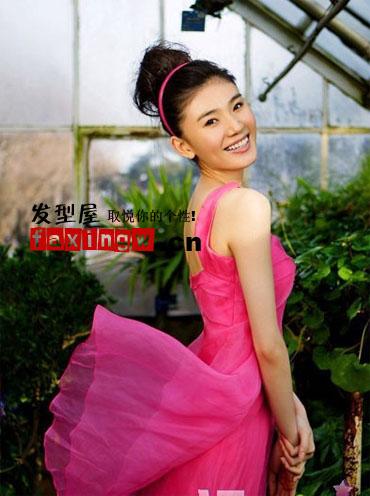 《80后》女主角刘冬清纯甜美发型秀图片