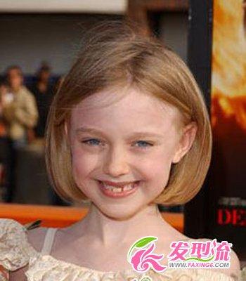 流行发型 短发发型 > 最新儿童短发发型    我想大家一定还对这位小家图片