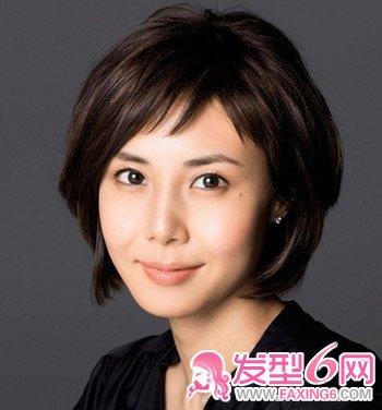 本女星演绎可爱减龄短发造型 5