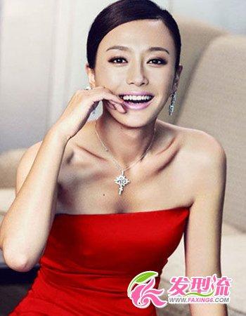 这个古典美女来说也不是件难事,搭配红色的礼服更加呈现出野性的魅惑.