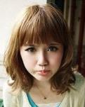 扮嫩平刘海发型  减龄超给力流行发型
