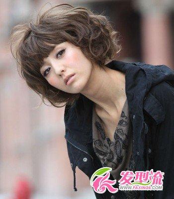 佟丽娅娴静气质发型(5)  导读:个性的齐刘海短发造型,结合烫发技术图片