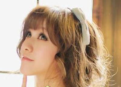 9款偏分发型打造韩式优 →韩式可爱发型图片 夏天扮嫩就靠它 →蓬松
