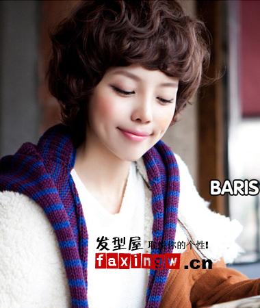 韩式可爱发型图片 夏天扮嫩就靠它 →蓬松短发造型很有知性气质