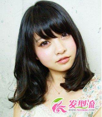 方脸mm最爱的瘦脸中长发 →中长发烫发发型图片 夏季最流行发型设计图片
