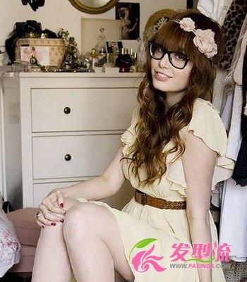 【图】戴眼镜女生发型打造欧美文艺范(4)