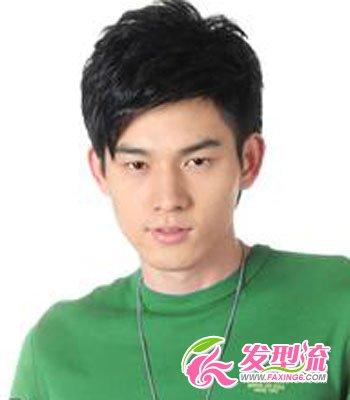 男生斜刘海发型图片 打造花样美男