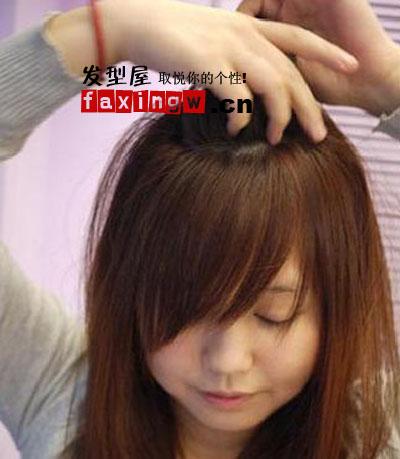 直发发型扎法 打造时尚淑女发型