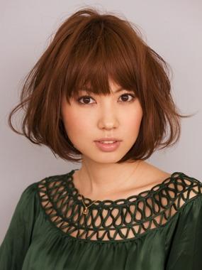 长脸短发发型设计图片 层次丰富的女生短发(3)