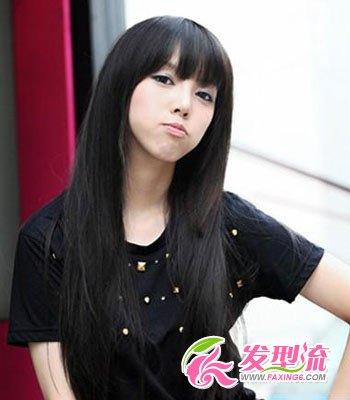 发型网 发型图片 刘海发型图片 > 齐刘海直发发型图片 清纯邻家小女图片