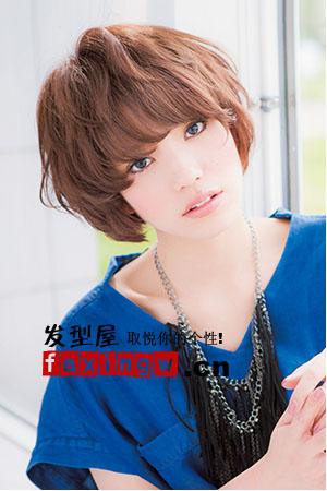 四款方形脸发型设计 秋日成熟优雅女人