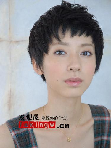 鹅蛋_【图】五款鹅蛋脸短发发型 发型脸型搭配就这样简单(3)_长脸适合 ...