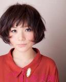 2015最新诚博娱乐平台 深色系染发修出小脸