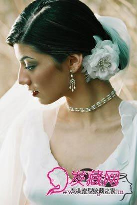 新娘发型的花朵发饰