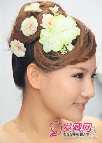 发型网 女生发型 新娘发型 > 新娘发型比较图片 5款日韩欧式新娘盘发