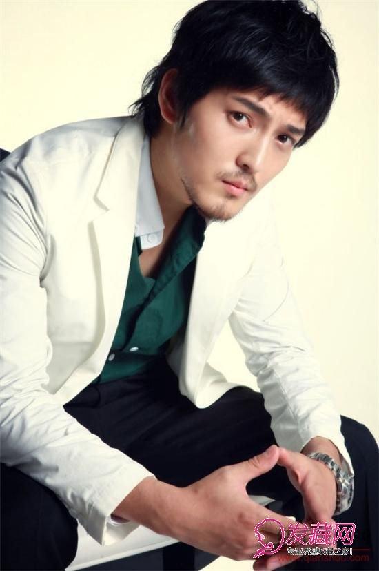 【图】成熟男人忧郁魅力短发发型图片(2)