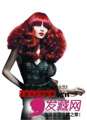 春夏发型潮流:长卷发和短直发