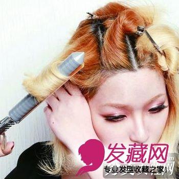 发型diy > 新年最火发型 蘑菇头diy(4)  导读:用双手轻轻拨开头发 4.图片