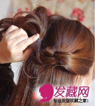 中长发型 > 冬季中长发发型扎法图解(5)  导读:step5将两个小辫子固定