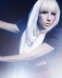 Lady Gaga 时尚搞怪的走来