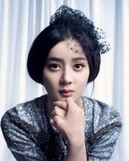 袁姗姗首支单曲写真发型 尽显女王气质