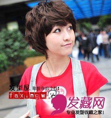 俏皮短卷发:韩国比较流行的一款短卷发哟,它所营造出的是可爱与