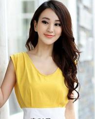 时尚侧边发型打造柔情迷人女人魅力