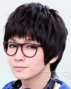 男圆脸短发发型设计图片