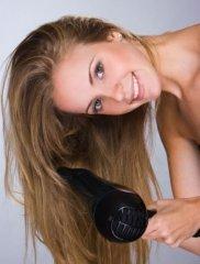 4个吹发技巧 教你如何保养头发
