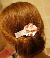 简单花苞头发型扎法图解