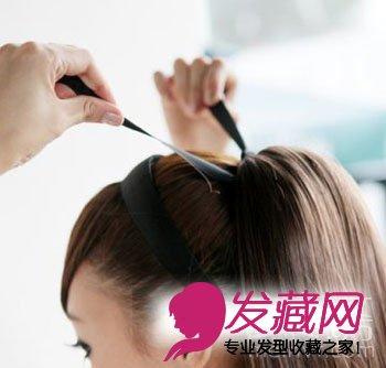 女生发型 女生马尾发型 > 教你diy可爱马尾辫(3)  导读:把假发带子