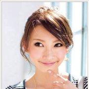 12步打造经典韩式盘发发型日期: 12-05-08 点击: 2107 很多mm都喜欢图片