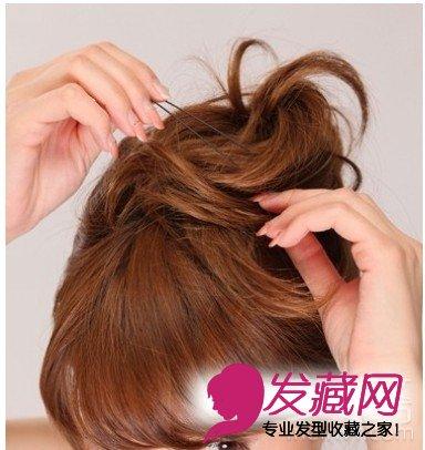 韩式盘头发技巧 ·韩式盘发发型步调图解; 韩式简单盘发 diy发型步骤