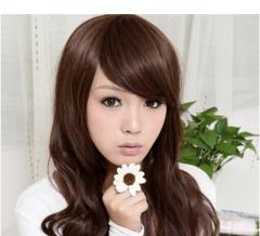 女生最爱瓜子脸的发型 打造精致小脸