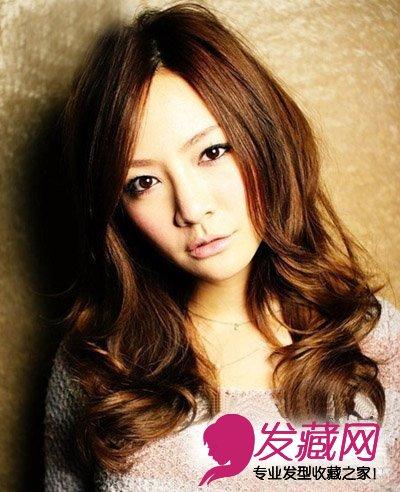 中长发烫发发型 侧分长刘海的大卷发图片