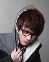 2015最新男生长刘海发型图片 要小脸长刘海不二选择