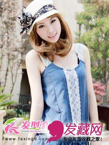 可爱 →甜美俏皮的披肩长卷发发型 简单发型扎法清 一顶朴素的编织