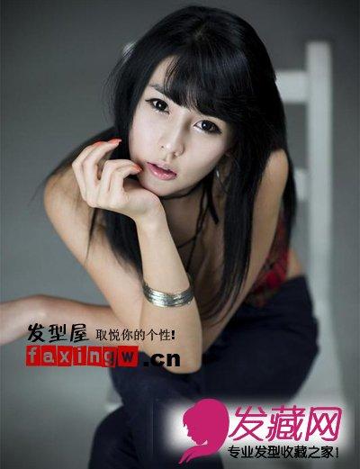韩国车模李智友可爱清纯直发发型