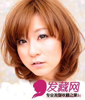 款国字脸发型修饰脸型的关键是刘海与 长卷发 的结合,长刘海盖住额头图片
