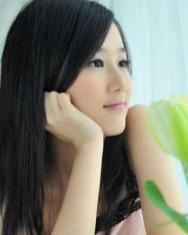 中长直发发型  展现女性清新魅力-中长直发发型