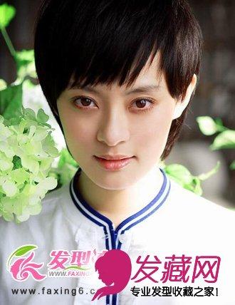 斜刘海女生短发发型图片