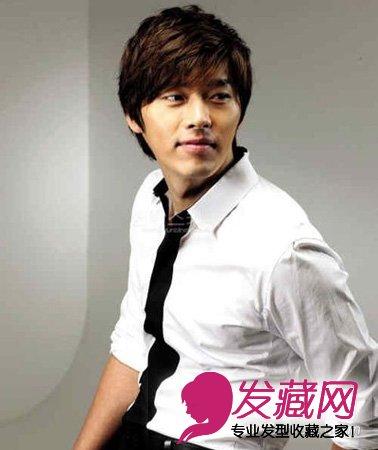热门韩国男士发型(4)  导读:微卷短发 三七分刘海,较蓬松的发型反而把图片