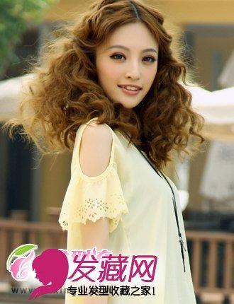学生适合的发型 →9款唯美韩式烫发发型 棕色的大波浪卷发 →好一计