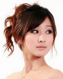 脸型发型设计 夏日清爽女生盘发发型