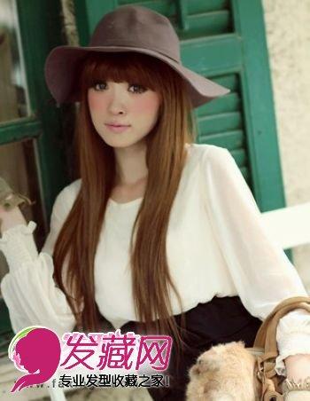 及腰的女生发型,展现女性特有的柔美温婉气质,厚重感的齐刘海长发发型
